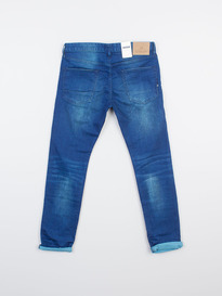 SCOTCH & SODA RALSTON CAPSIZED